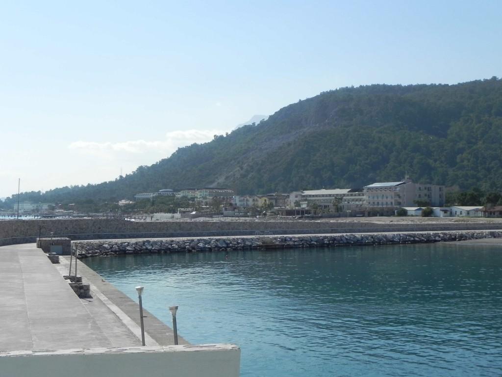 Hafen am südlichen Rand des Rixos Sungate