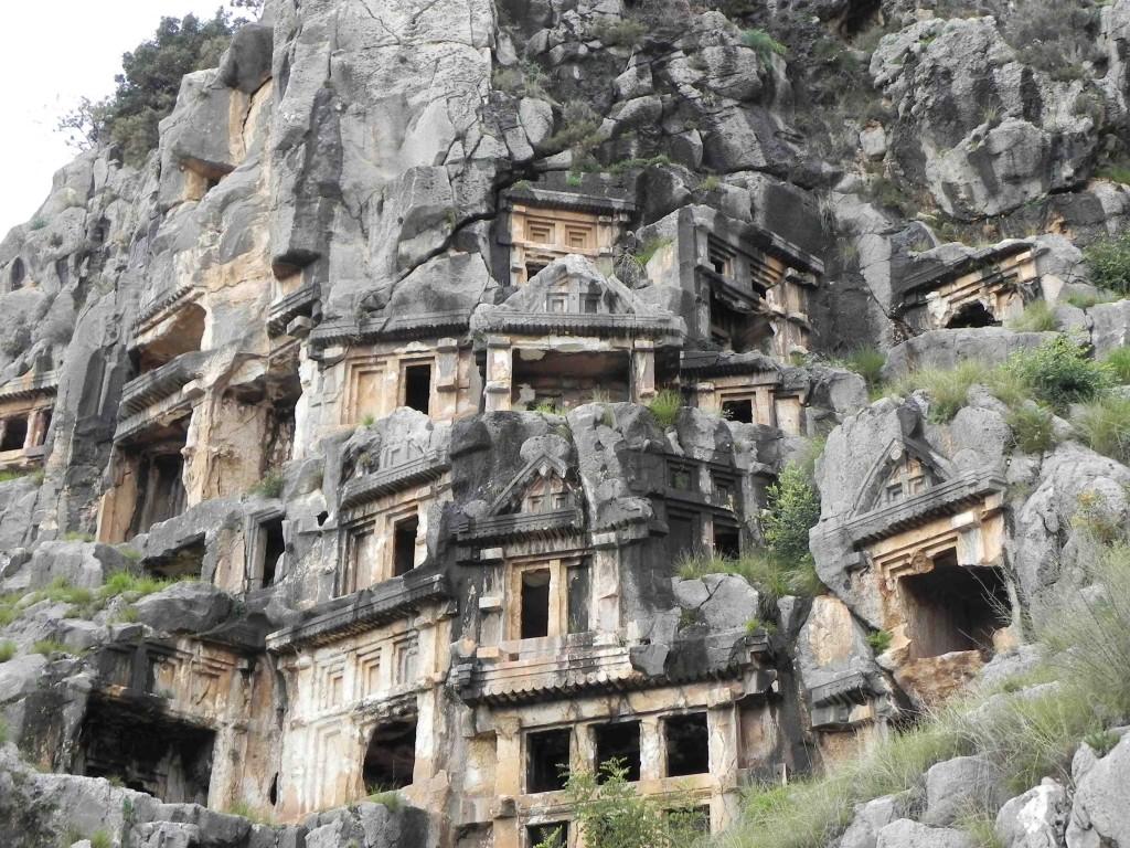 Felsengräber in der historischen Stadt Myra